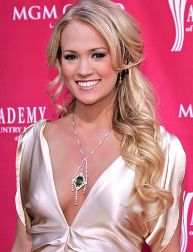 Carrie Underwood To Sing