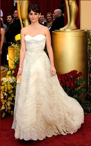 Penelope Cruz's dress, hair, and makeup were amazing in unison.